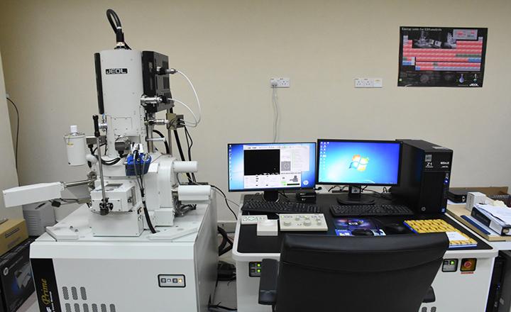 میکروسکوپ الکترونی روبشی نشر میدانی (FESEM) چیست؟