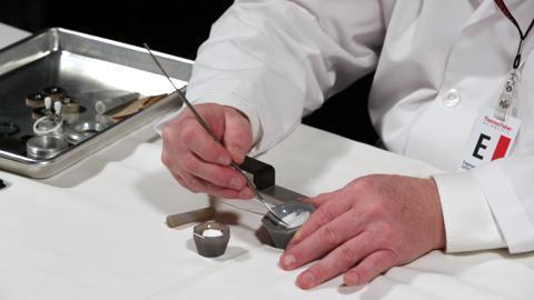 آماده سازی نمونه های FTIR چگونه انجام می شود